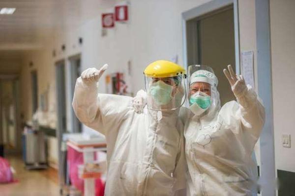 伦敦报告零新增感染,6月底英国新增病亡或降为零